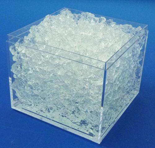 شکل جامد شیشه ای پلی آکریل آمید